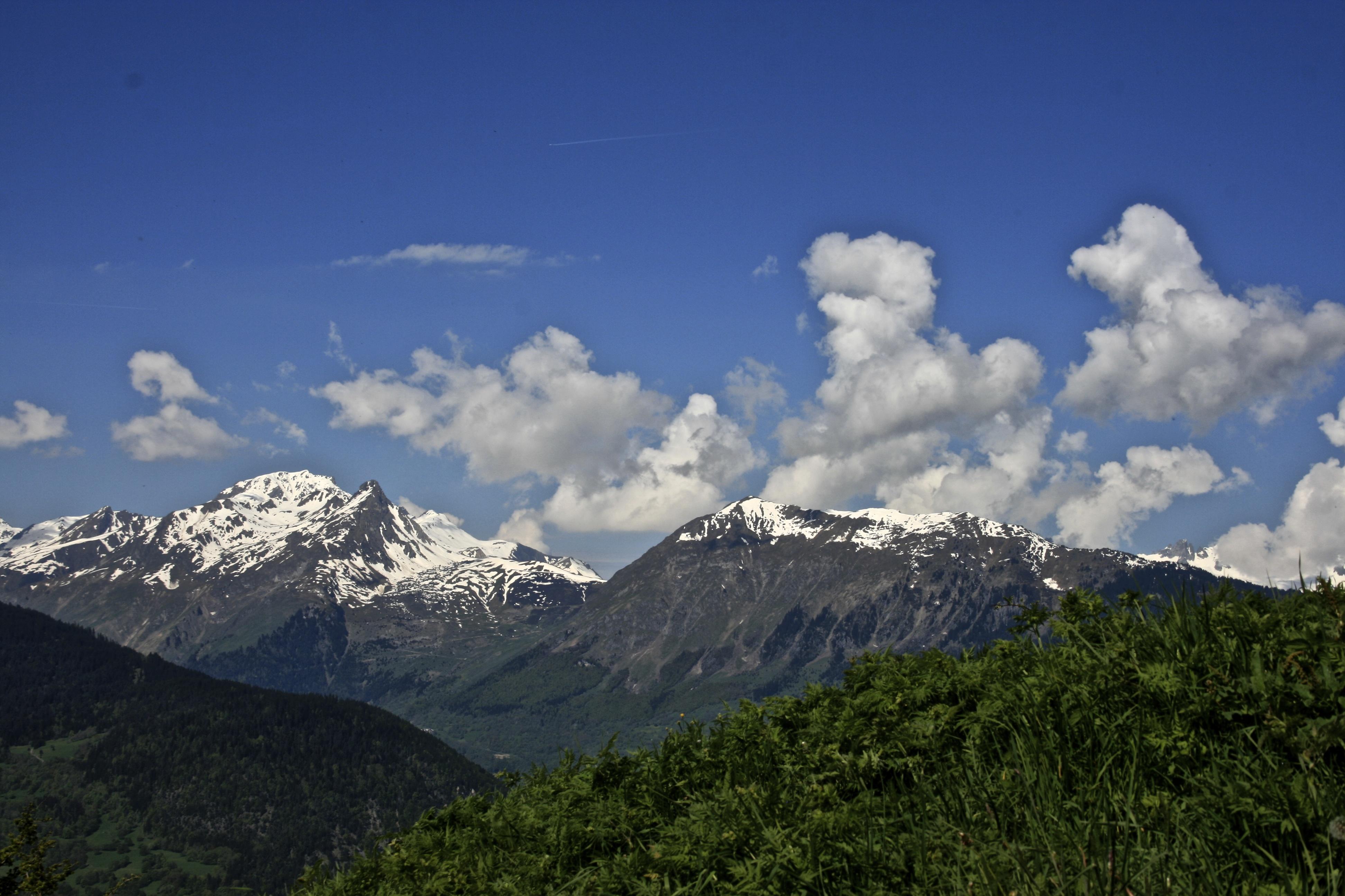 Explore the rhne alpes untamed travellers mont altavistaventures Images